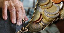 STARIJI OD 65 GODINA BIRAJU DA LI ĆE PENZIJU NA KUĆNU ADRESU, NBS najavila kako će teći isplata
