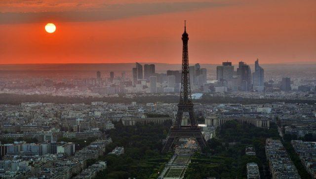Francuski uslužni sektor ne može da isprati tempo rasta iz prethodnih meseci