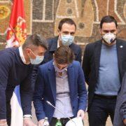 OTVARAJU SE TERETANE, FRIZERSKI SALONI… Vlada Srbije ublažava mere u borbi  sa korona virusom