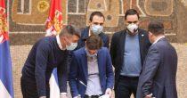 OTVARAJU SE TERETANE, FRIZERSKI SALONI... Vlada Srbije ublažava mere u borbi  sa korona virusom
