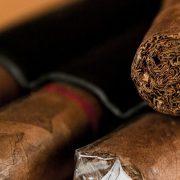 BRITANSKI DUVANSKI GIGANT U KRIZI Distributer kubanskih cigara stavljen na prodaju