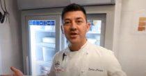 (VIDEO)ITALIJANI NE MOGU BEZ NACIONALNOG JELA NI U DOBA KORONE Preko interneta uče da prave picu, a ovako im Enrico pomaže