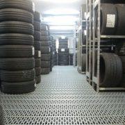 EKOLOŠKA TAKSA ZA NOVE INVESTICIJE Kompanije gumarske i hemijske industrije saglasni o promeni tretmana otpada u Srbiji