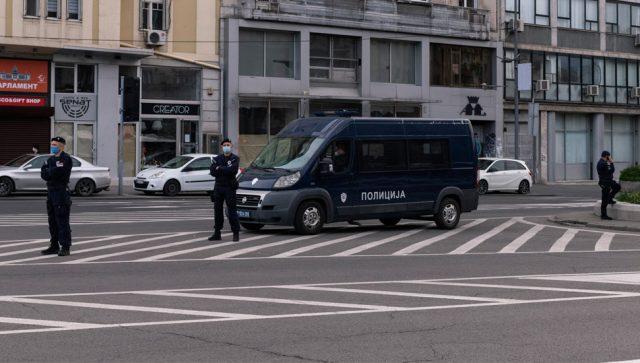 GRAĐANI SRBIJE ZA PRAZNIK RADA KOD KUĆE DO SUBOTE U 5 UJUTRO  Nakon policijskog časa zabranjena okupljanja više od dve osobe