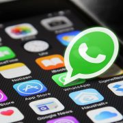 Pakistanac preko Whatsapp-a drži kurs o trgovanju kriptovalutama