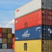 SPOLJNOTRGOVINSKI ROBNI DEFICIT U BIH VEĆI OD DVE MILIJARDE EVRA Pad izvoza od 12,6 odsto u odnosu na isti period prošle godine