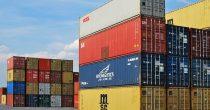 KINESKI IZVOZ U AVGUSTU PREVAZIŠAO OČEKIVANJA Ostvaren trgovinski suficit od 58,93 milijarde dolara