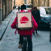 Žene u Srbiji češće koriste aplikacije za dostavu namirnica
