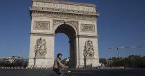 PRAG GOTOVO BEZ GOSTIJU ZBOG KORONE, U PARIZU TURISTI ZBUNJENI PRAVILIMA Na nekim mestima obavezna maska, na drugim ne, a kazna 135 evra