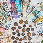 Papirni novac je relativno mlad, a već polako nestaje iz upotrebe