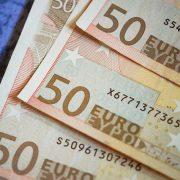 JAVNI DUG CRNE GORE MOGAO BI DA PORASTE NA 90 ODSTO BDP Država se zadužila u drugom kvartalu skoro 400 miliona evra