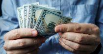AMERIČKOJ VALUTI PRETI KRAH Era dominacije dolara bliži se kraju, ocenjuju stručnjaci