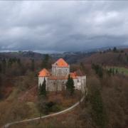 UŽIVANJE NA KRALJEVSKI NAČIN Srednjovekovni dvorac Mirna u Sloveniji novi vlasnik pretvara u terapeutski centar