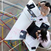 PODRŠKA PRIVREDI I MLADIM PREDUZETNICIMA Biznis inkubatori – pravo mesto za ljude sa idejama