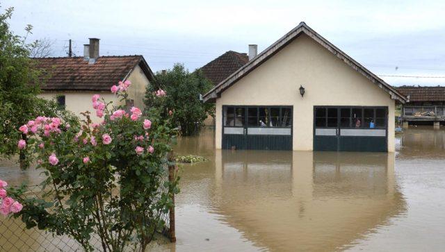 Osnovnu polisu osiguranja u Srbiji ima manje od 10 odsto stanovništva, a u svetu je najprodavanija
