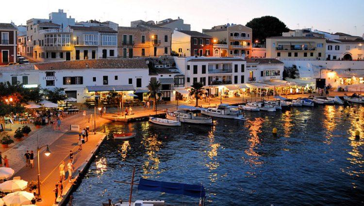 PRVI ČARTER SA SRPSKIM PUTNICIMA 1. JULA DO SKIJATOSA Naši turisti moći će i u Tursku, Egipat, Španiju