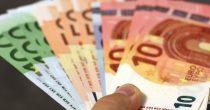 ZAVRŠENO PRIJAVLJIVANJE ZA 100 EVRA Građanima koji su se poslednji evidentirali novac u ponedeljak