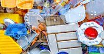 PLASTIČNI OTPAD GUŠI ŽIVOTNU SREDINU U SRBIJI Za dve godine reciklirano samo dva odsto ambalaže