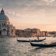 Venecija raspisala konkurs za izmeštanje kruzera izvan gradske lagune