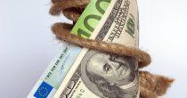 EVRO OJAČAO POSLE USVAJANJA KRIZNOG PAKETA EU Odnos prema dolaru najviši u poslednje dve godine