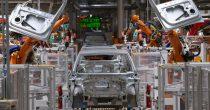 SLOVENAČKA FABRIKA POVEĆAVA PROIZVODNJU ELEKTRIČNIH AUTOMOBILA Revoz izvozi 98 odsto svojih vozila