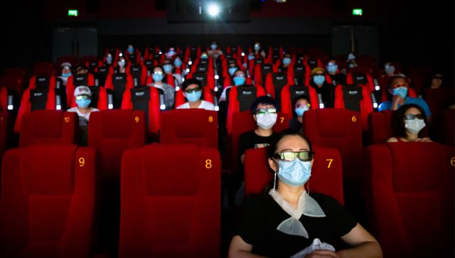 POPUŠTANJE MERA U SRBIJI SE NASTAVLJA Bioskopi i pozorišta mogu ponovo da rade