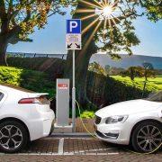 BUM ELEKTRIČNIH AUTOMOBILA U EVROPI Podsticaji utrostručili kupovinu elektromobila