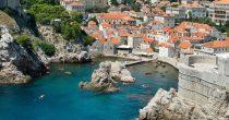 TURISTI POHRLILI NA PRIMORJE U Hrvatskoj trenutno 800.000 gostiju, ugostitelji očekuju 60 odsto prošlogodišnje posete