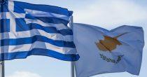 PUTNICI IZ GRČKE SAMO SA TESTOM MOGU NA KIPAR Zbog porasta broja obolelih grčka policija pojačala kontrole u popularnim letovalištima