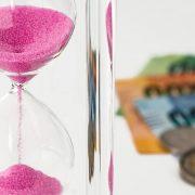 DUGOVI NA GLOBALNOM NIVOU ĆE 2021. DOSTIĆI 100 ODSTO BDP Kreditori i dužnici hitno da počnu restukturiranje dugova, izjavila Georgijeva