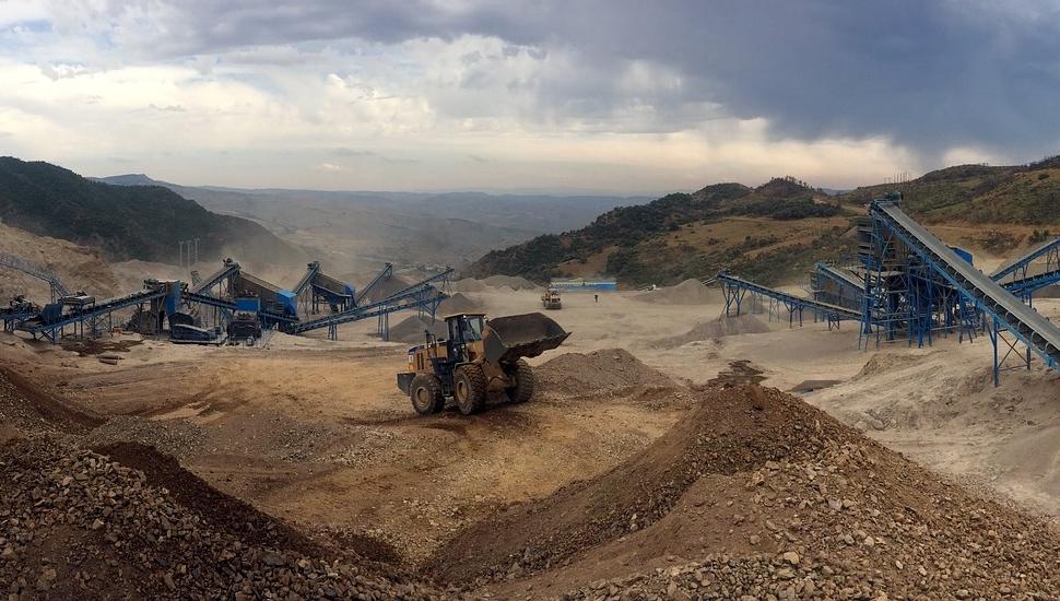 Iskopavanje ruda uz mehanizaciju