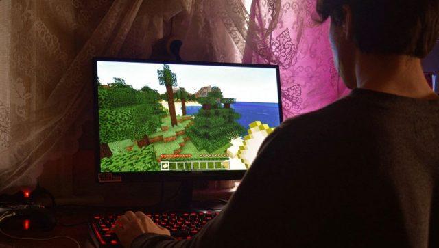 Igranje online igrica samo sat vremena
