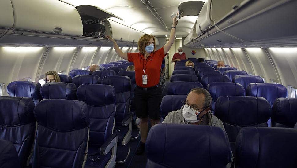 Stjuardesa u avionu