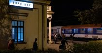 (FOTO) USPOSTAVLJEN MEĐUNARODNI ŽELEZNIČKI SAOBRAĆAJ IZMEĐU SRBIJE I CRNE GORE Ponovo radi noćni voz na relaciji Beograd-Bar