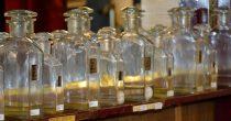 (FOTO) MALE TAJNE VELIKIH MAJSTORA Najstariji parfimer otkriva kako se prave najlepši mirisi, na koji način se biraju i kako izbeći klopke