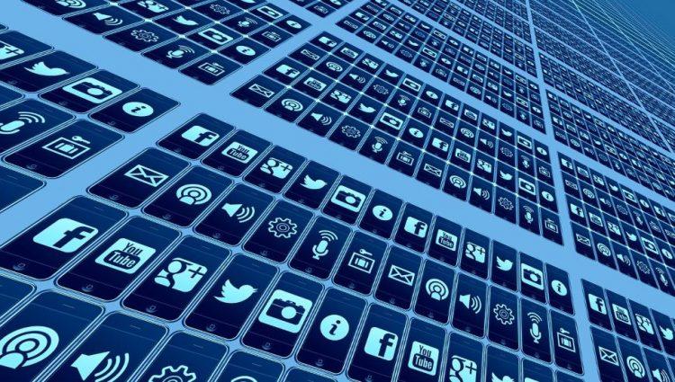 Na hakerskom forumu dostupni i lični podaci 162.898 korisnika Facebook mreže u Srbiji