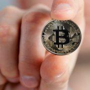 PRODAT PRVI AUTOMOBIL PLAĆEN KRIPTOVALUTOM Cena niža od jednog bitkoina