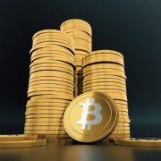 Bitcoin dostigao novi rekord, popeo se na 62.575 dolara