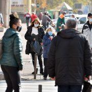 U Srbiji bi 67 odsto ispitanika pristalo na smanjenje svojih prava