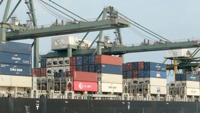 SMANJENA SPOLJNOTRGOVINSKA RAZMENA SRBIJE Izvoz manji za 4,4 odsto, a uvoz za 3,5 procenata