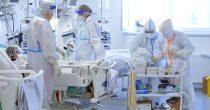 Sve više teže obolelih, u bolnicama 4.445 osoba, u poslednja 24 sata preminula 24 pacijenta