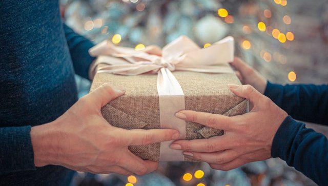 Poslodavac i za poklon zaposlenom može da bude oporezovan