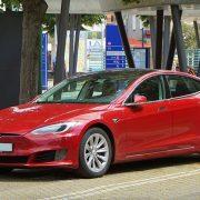 "Tesla dobrim rezultatima tera ""short selling"" brokere"