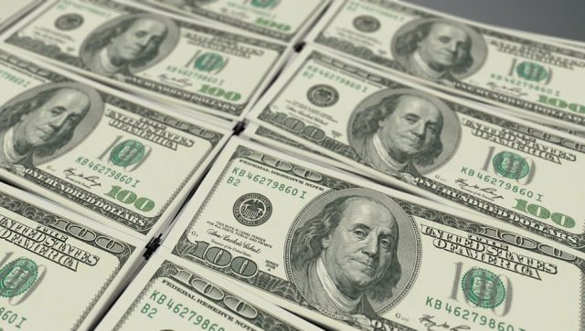 Udeo američkog dolara opao na najniži nivo u poslednjih 25 godina