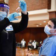 (FOTO) EVROPA SE VAKCINIŠE PROTIV KORONA VIRUSA Sve zemlje članice EU dobile cepivo kompanija Pfizer/BioNTech