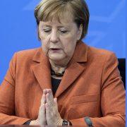 NEMAČKA NA PREKRETNICI Posle 16 godina vođstva Merkelove CDU bira novog šefa