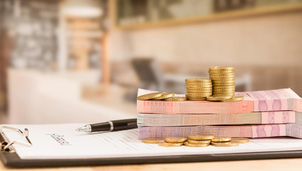 Novac, ugovor i penkalo