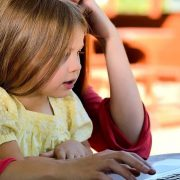 Kako do kredita po osnovu roditeljskog dodatka