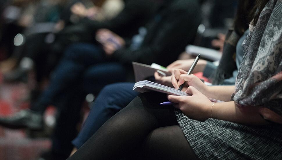 Predavanje na konferenciji