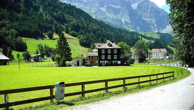 Raste potražnja za kućama na selu i skladištima za robu
